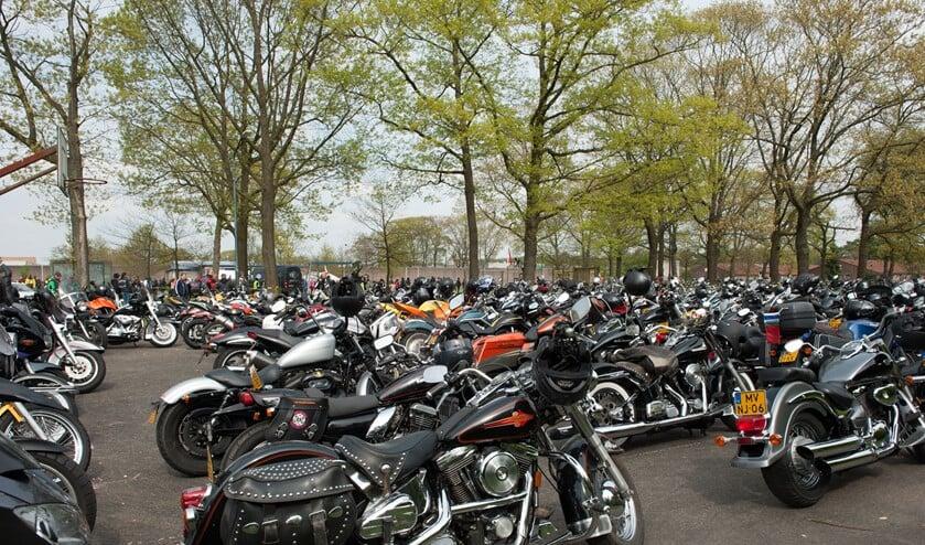 Liefhebbers van motoren kunnen hun hart ophalen op de Harleydag Huizen.