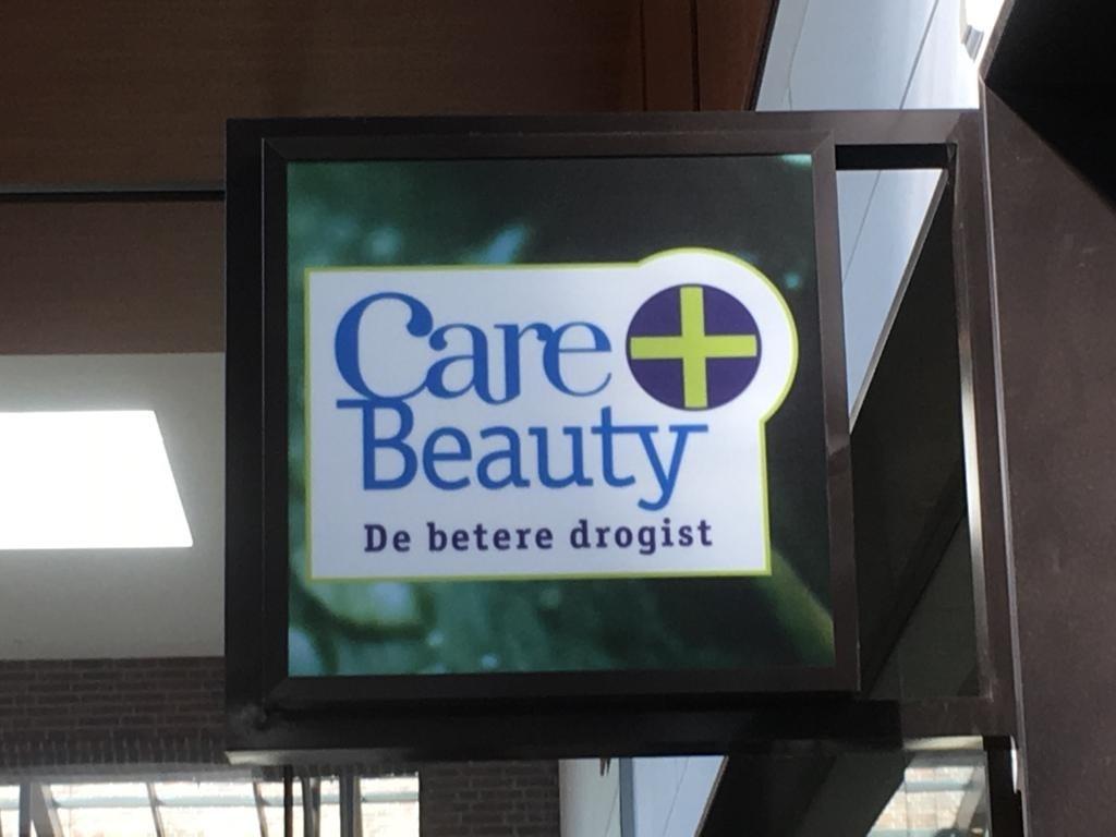 Uitgebreid assortiment bij Care & Beauty.  © Enter Media
