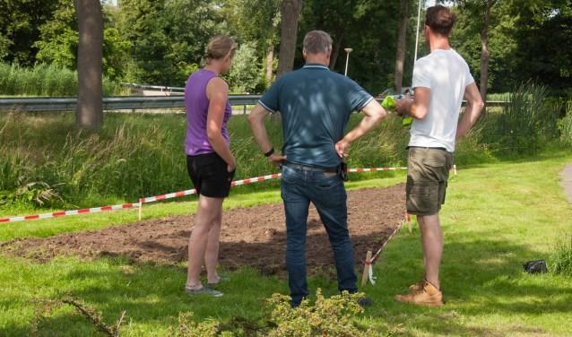 Van dit stukje gemeentegras maken de bewoners een bloemenveldje.