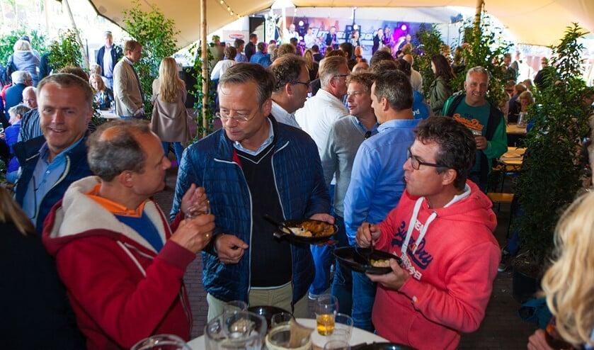 Het Huizer Vis Festijn van Rotary Huizen is uitgegroeid tot een goedlopend evenement om geld in te zamelen voor goede doelen.
