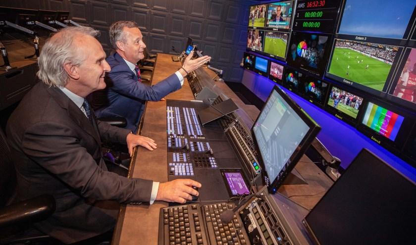 Broertjes vorige maand samen met de Commissaris van de Koning van Noord-Holland, Arthur van Dijk, in NEP op het Media Park.