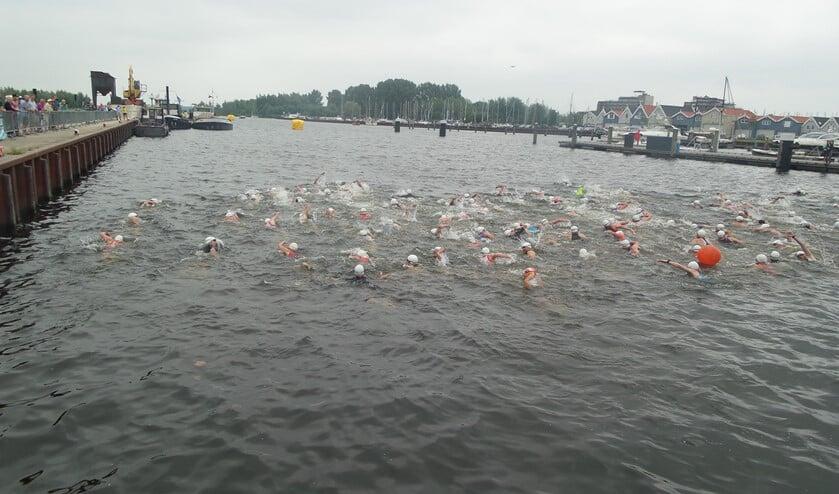 De start van het zwemmen vindt weer plaats in de werkhaven.