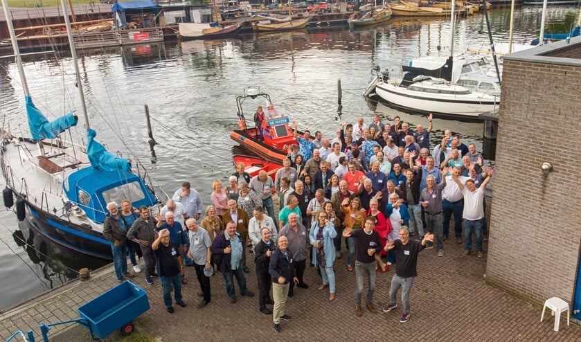 Veel oud-leden en leden kwamen het feest afgelopen zaterdag vieren.