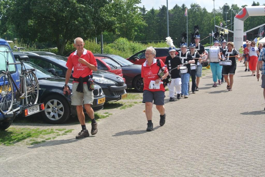 Aankomst op terrein SV Laren'99. Foto: Jan Smit © Enter Media