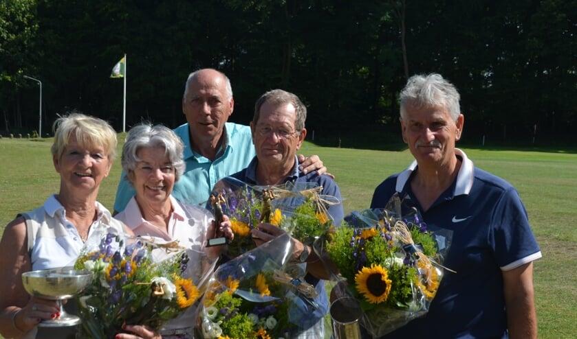 Carla Cornelisse (winnaar dames), Paulien Groenhof (winnaar in 2018 en nu 2e), Willem Raaijmakers (voorzitter), Bert Korfage (runner-up Heren ) en Trevor Ashman (winnaar 2019).