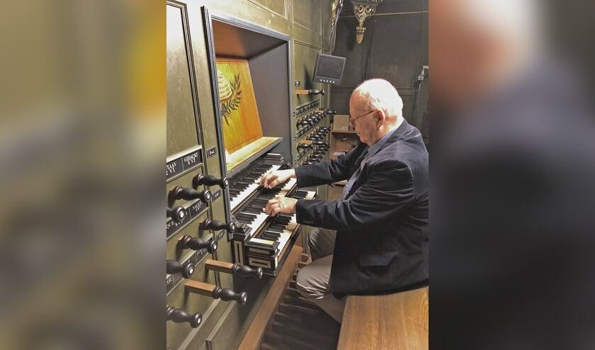 Stef Tuinstra is de eerste die te horen is in de St. Vituskerk tijdens de zomerserie.