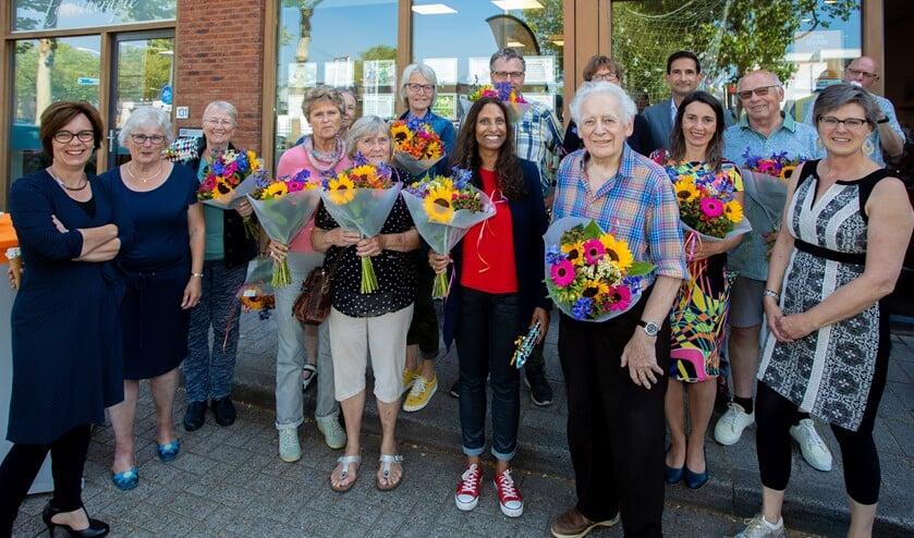 De jubilarissen met links Jolanda Westrum en rechts Kristel Menssink.