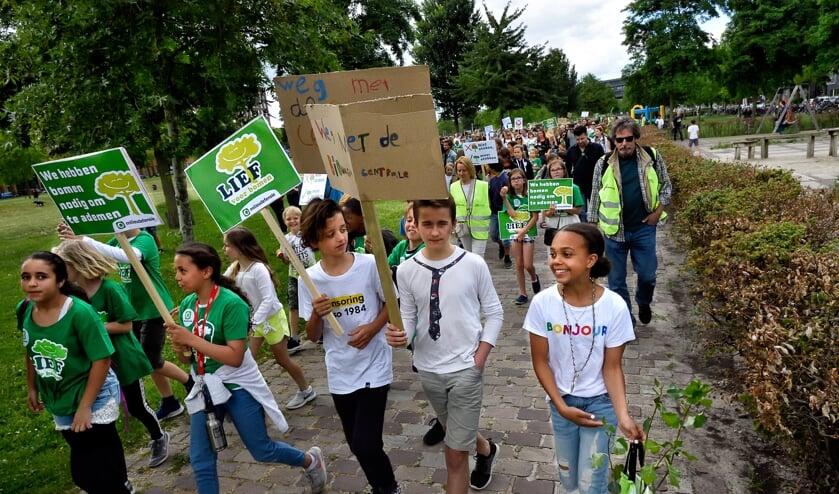 Vorige week was er een protestmars tegen de komst van de biomassacentrale, vlak achter de Maxis.