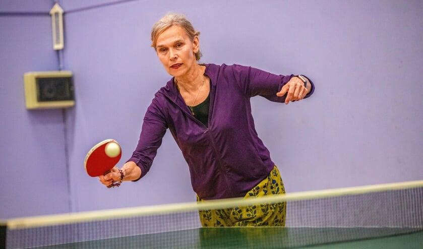 Bettine Vriesekoop opende afgelopen vrijdag het internationaal tafeltennistoernooi in Hilversum.