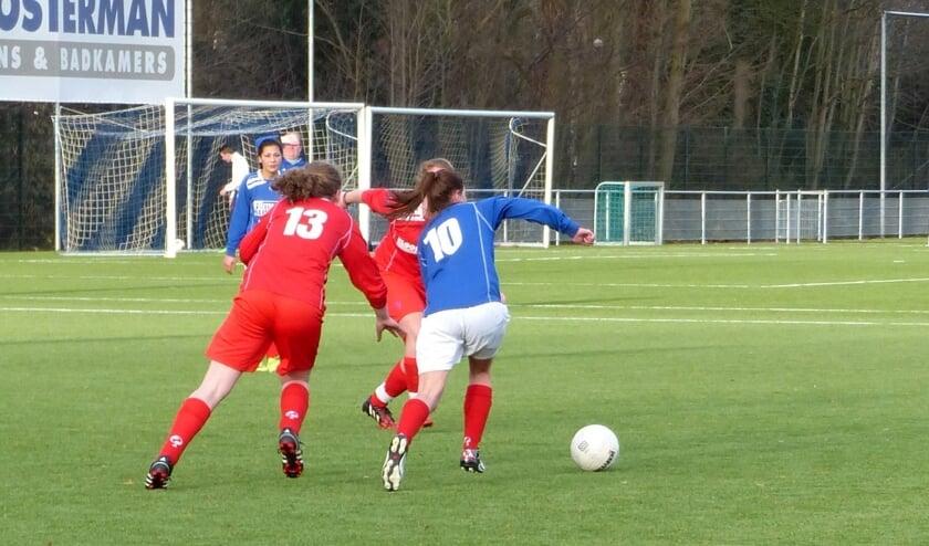 Aanmelden voor damesvoetbal bij BFC.