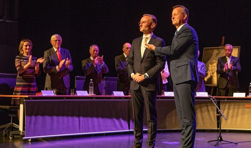 Burgemeester Nanning Mol (l) en Arthur van Dijk (commissaris van de Koning).