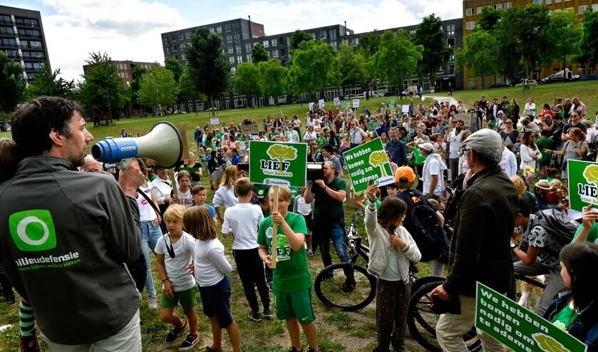 In juli van dit jaar was er al een protestmars van kinderen tegen de centrale.