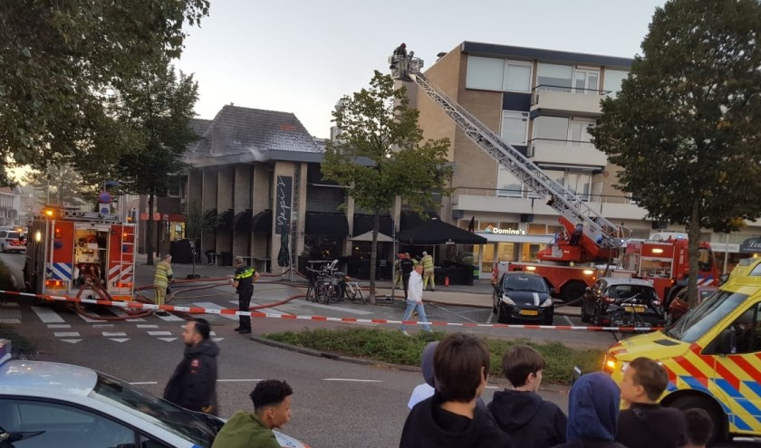 De brand bij Pepi's afgelopen zaterdag, waar de brandweerman een kopstoot kreeg.