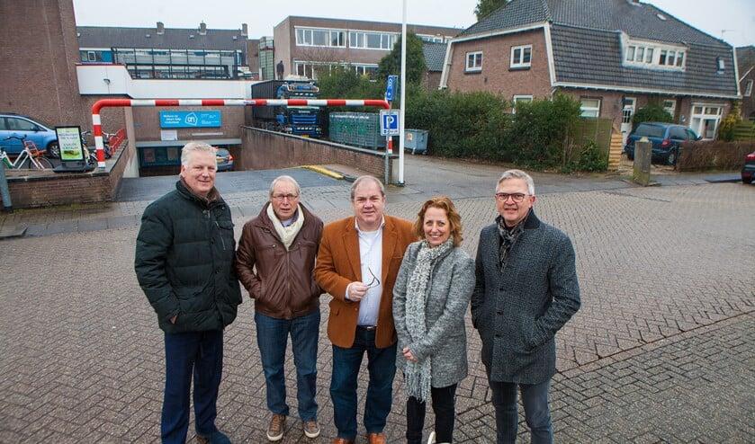 Een aantal leden van de participatiegroep van het project-Keucheniusterrein.