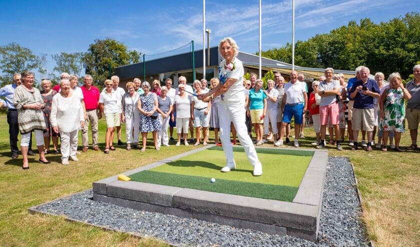 Susan Hosang vierde haar honderdste verjaardag bij golfclub 't Jagerspaadje.