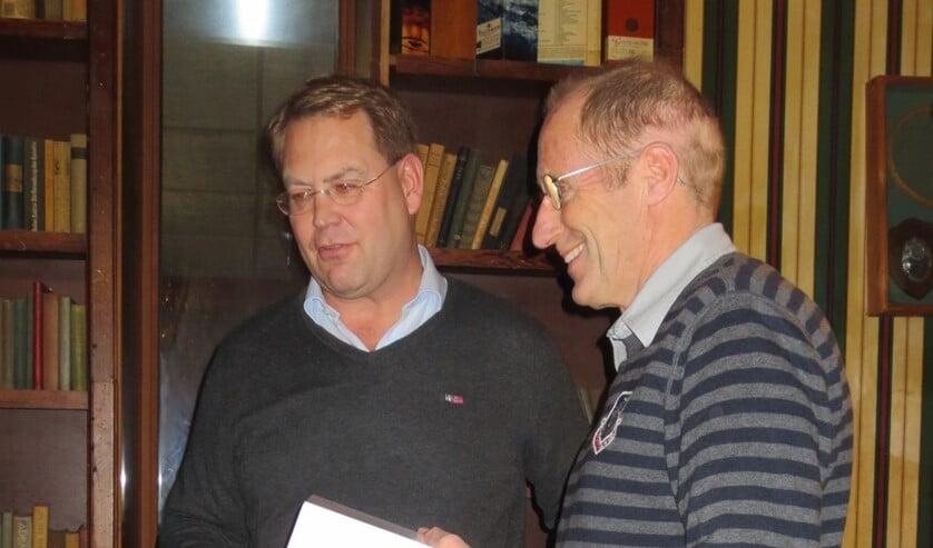 Voorzitter Erland Morelissen (links) en Mink Zeilstra.