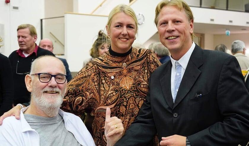 <p>V.l.n.r.: Rob Bruintjes, Ramona Beemsterboer-van Urk Dam en Leon van Urk Dam.</p>