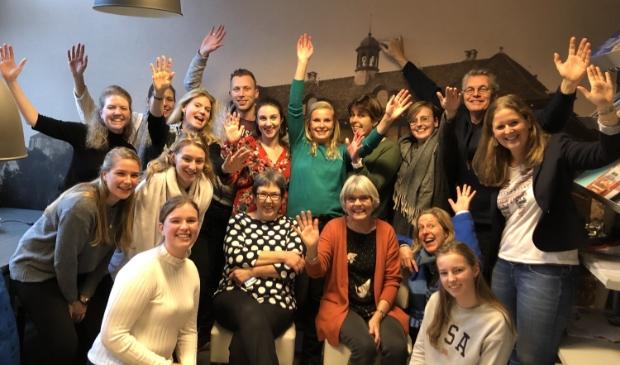 Team De Binckhorst- St. Jan samen met scholieren van het Alberdingk Thijm College.