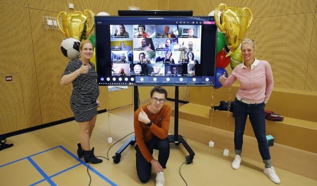 <p>Sportformateur Marieke Pol, rechts op de foto, heeft de afgelopen maanden gewerkt aan het sportakkoord.</p>