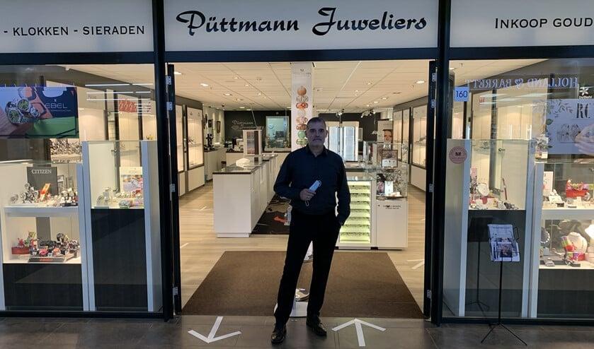 <p>Hans P&uuml;ttmann, voorzitter van winkeliersvereniging Diemerplein.</p>