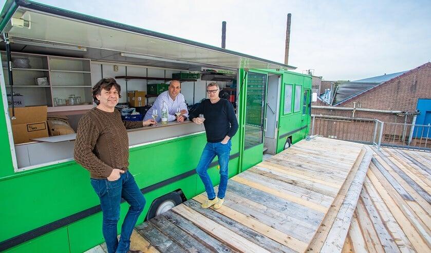 Peter Kos, Tarek Zaouia en Pieter Hogenbirk, de mannen van De Krachtcentrale, op het nieuwe dakterras.