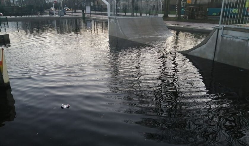 De skatebaan vangt ook het regenwater op.