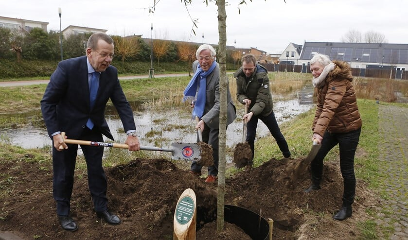Er werd een boom geplant voor een vruchtbare samenwerking.