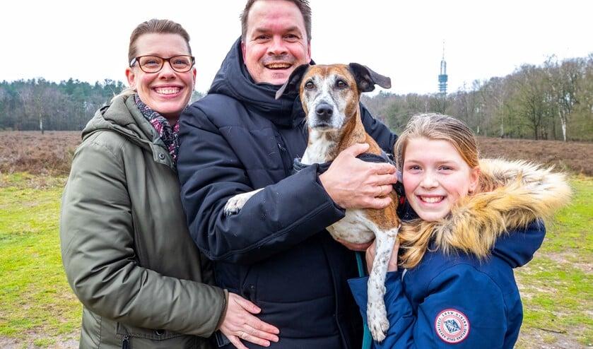 De familie Van Beest uit Hilversum samen met Sien.