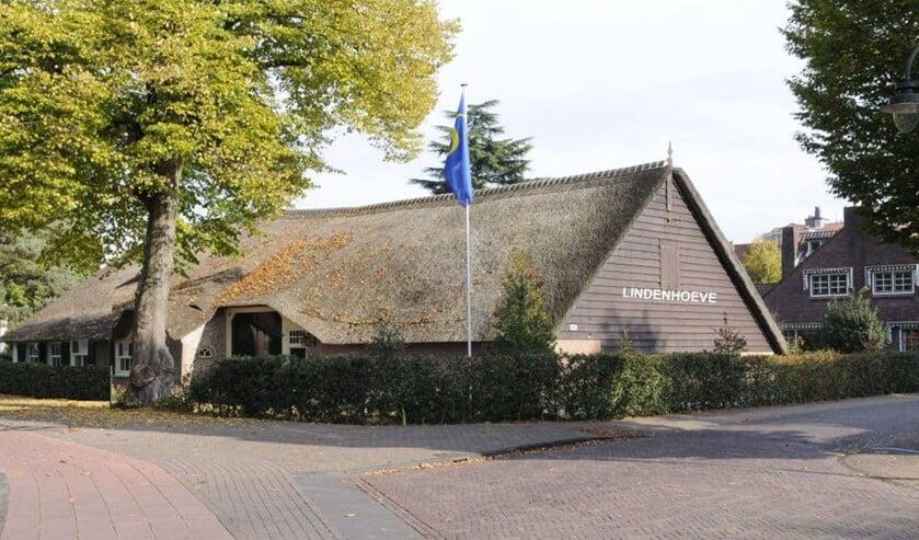 De Lindenhoeve blijft nog even gesloten, maar er wordt wel gewerkt bij de Historische Kring Laren.