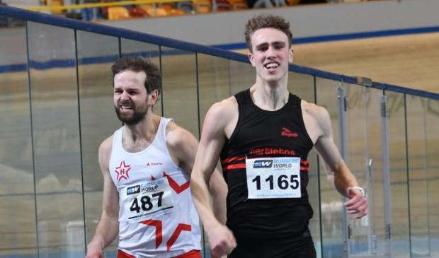 Ken Leunissen (r) haalt goud tijdens de kampioenschappen voor studenten.