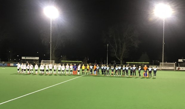 Hockeydames LMHC tegen Amsterdam.