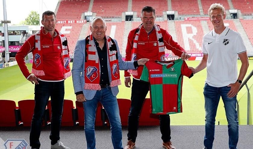 Mark Eijpe, voorzitter Pieter Reijneker, Gijs van Slooten en Bas van den Brink zijn blij met de samenwerking.