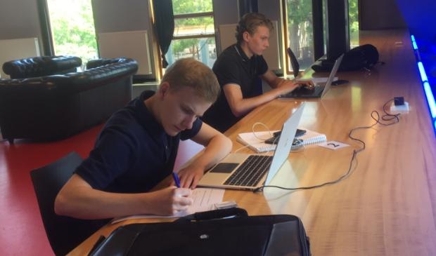 Werken en studeren kan nu ook weer in de bibliotheken in Huizen en Laren.