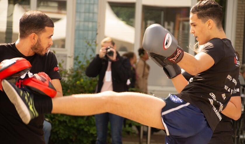 Kennis maken met Kickboksen en weerbaarheid staan ook op het programma.