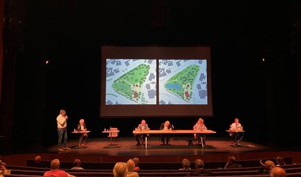Larens Behoud sprak afgelopen zaterdag over het Brinkplan met haar leden in het theater van Singer Laren.