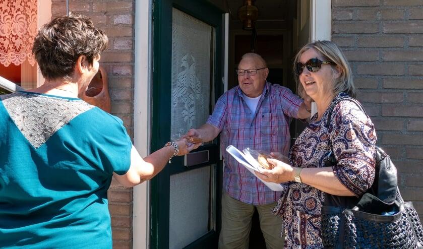 <p>Piet Ruijper gooide enthousiast de deur open toen de dames langskwamen.</p>