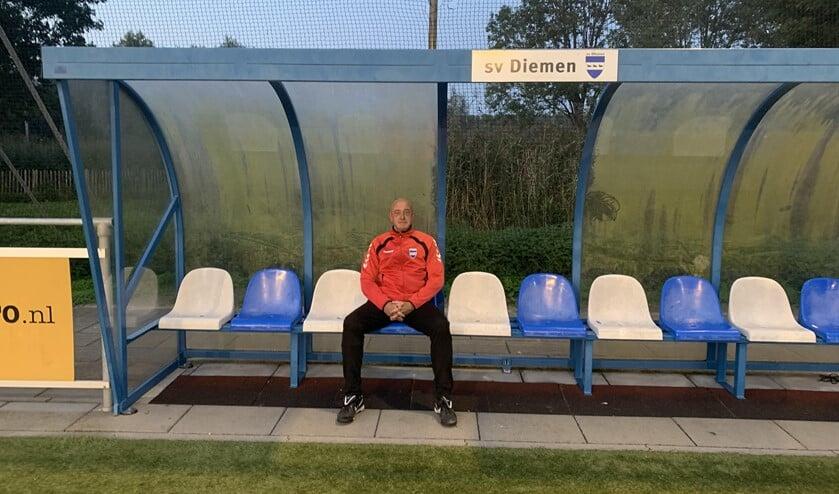 <p>Raymond Aarts, trainer van SV Diemen.</p>