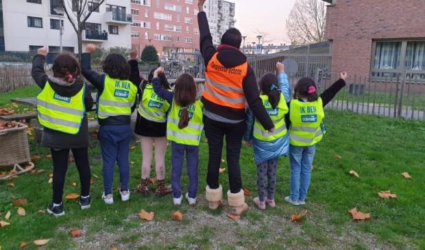 <p>Kinderen gaan zwerfvuil opruimen bij Beukenhorst.</p>