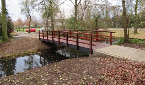 <p>Nieuwe fiets- en voetgangersbrug tussen de Rietgors en Patrijzenhof.</p>