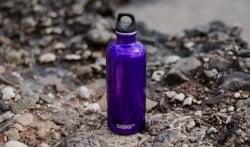 Wat zijn de voordelen van bedrukte waterflessen voor zowel gebruikers als adverteerders?