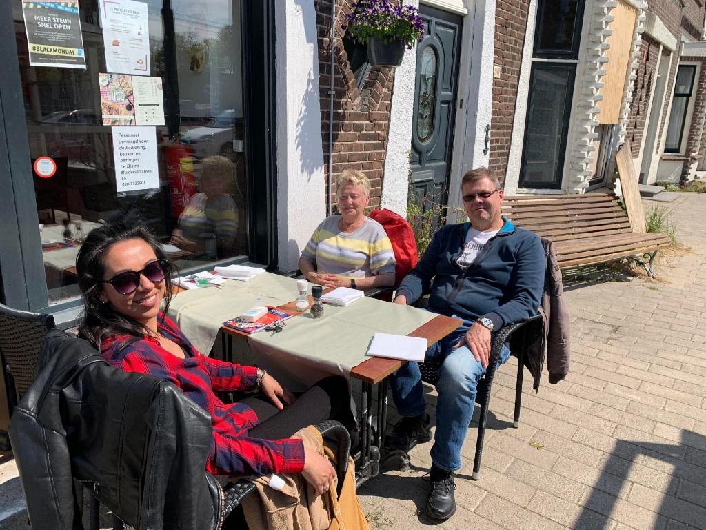 <p>Zij hebben genoten van een heerlijke lunch op het terras van Le Bistro.</p>  © Enter Media