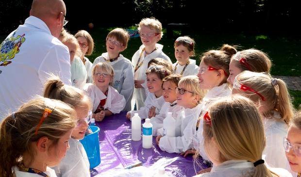 <p>De kinderen maken kennis met wetenschap en techniek.</p>