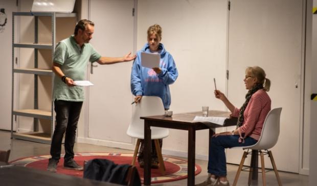 <p>Een foto van de repetitie voor de theaterroute van dit jaar.</p>