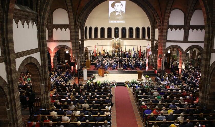 <p>De Provinciale Herdenking van Brabantse Gesneuvelden vindt dit jaar plaats in besloten kring maar wordt wel live op televisie uitgezonden. &nbsp;</p>