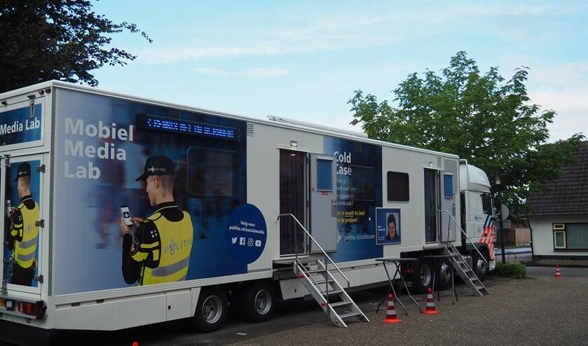 <p>Naast de kermis in Budel stond het Mobiel Media Lab (Foto: Noortje de Vries)&nbsp;</p>