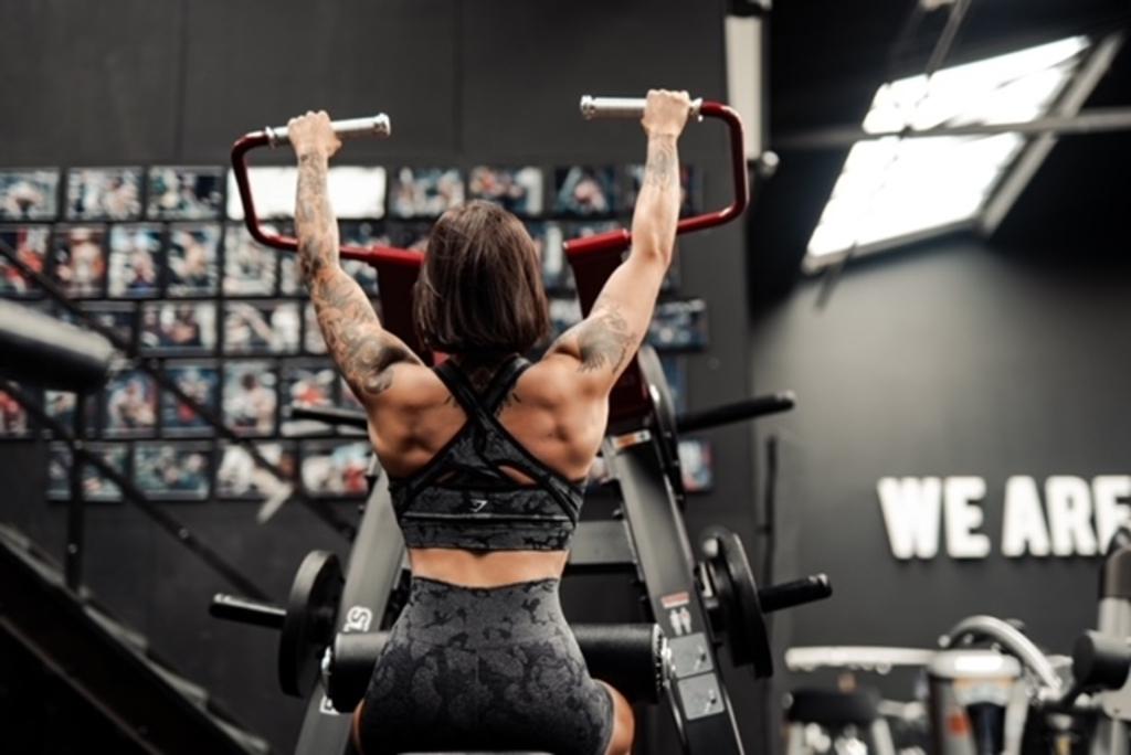 Een van de foto's van de bodybuilding-fotoshoot van Fabiënne van Erp. (Foto: frwrd. designs) forward designs © DAS Publishers! Uitgeverij BV