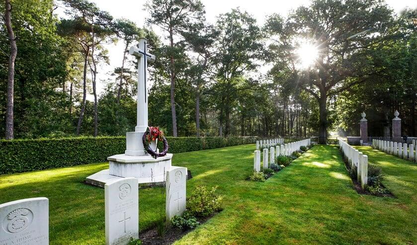 <p>Een rustplaats voor al die Britse militairen die ons de vrijheid hebben teruggegeven. (Foto: Jurgen van Hoof)</p>