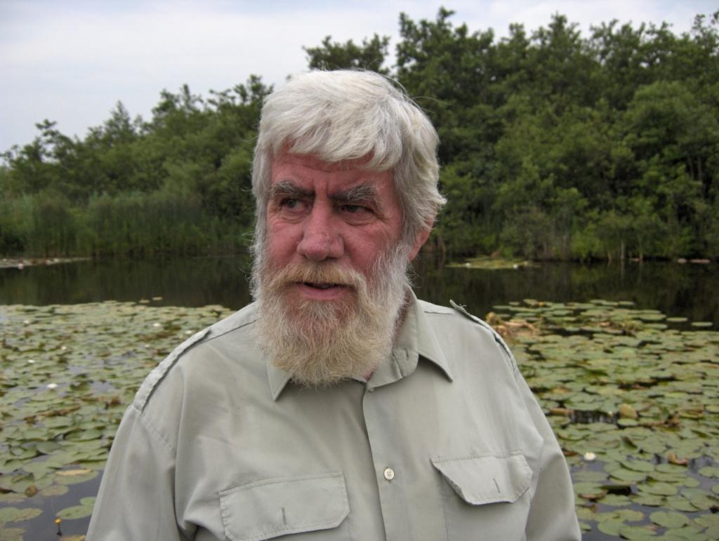 Piet Bakker was beroepsvisser. Hij en zijn vader waren de laatsten die als kooiker op de eendenkooi hebben gewerkt. [foto 2006 Henk van de Bunt] Foto:  © De Vierklank