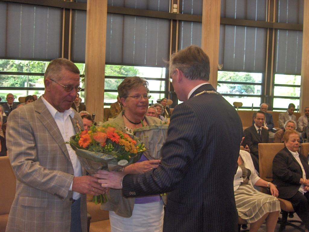 Henk en Hennie ontvingen tien jaar geleden een Koninklijke onderscheiding. Foto:  © De Vierklank