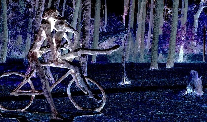 Het (voormalig) schoolplein kent een prachtig beeld van Jits Bakker: 'de fietsers.
